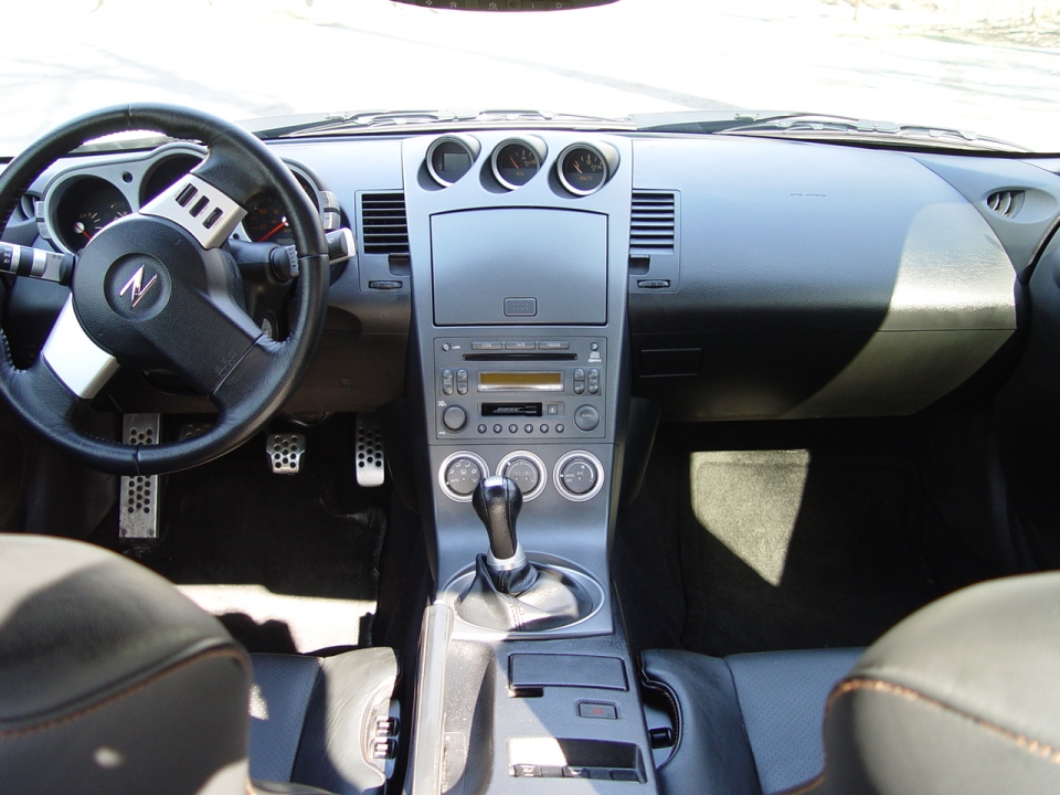 2003_nissan_350z_touring-pic-20552